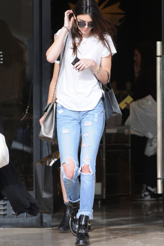 kendall-jenner-street-style-shopping-in-west-hollywood-december-2013_5