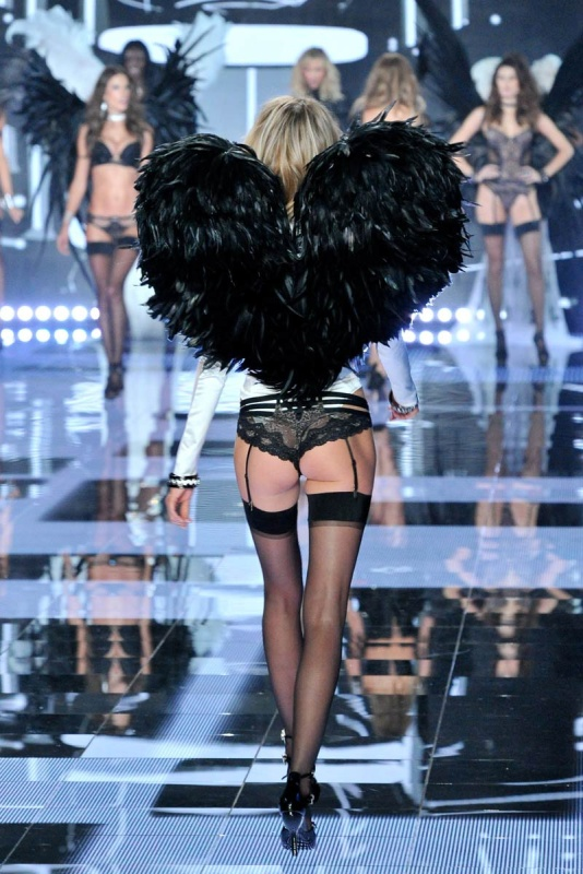 desfile_victoria_secret_2014_londres_657133317_800x
