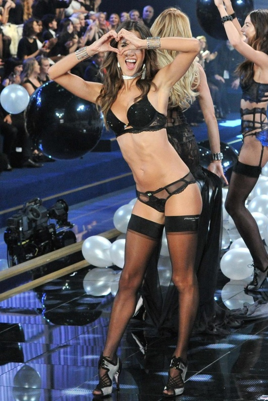 desfile_victoria_secret_2014_londres_905067719_800x