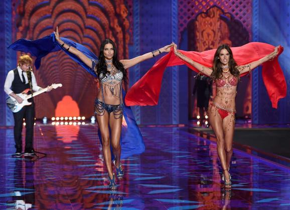 victorias_secret_fashion_week_2014_2-z