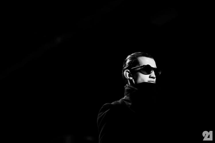 8953-Le-21eme-Adam-Katz-Sinding-Backstage-At-Julius-Paris-Mens-Fashion-Week-Fall-Winter-2015-2016_AKS5579