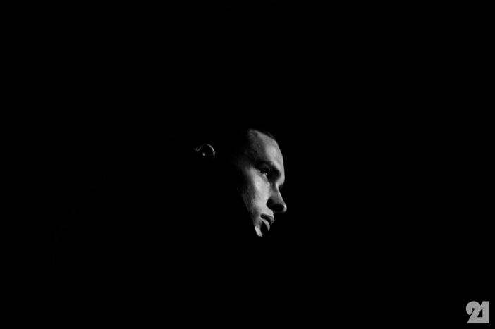 8956-Le-21eme-Adam-Katz-Sinding-Backstage-At-Julius-Paris-Mens-Fashion-Week-Fall-Winter-2015-2016_AKS5514