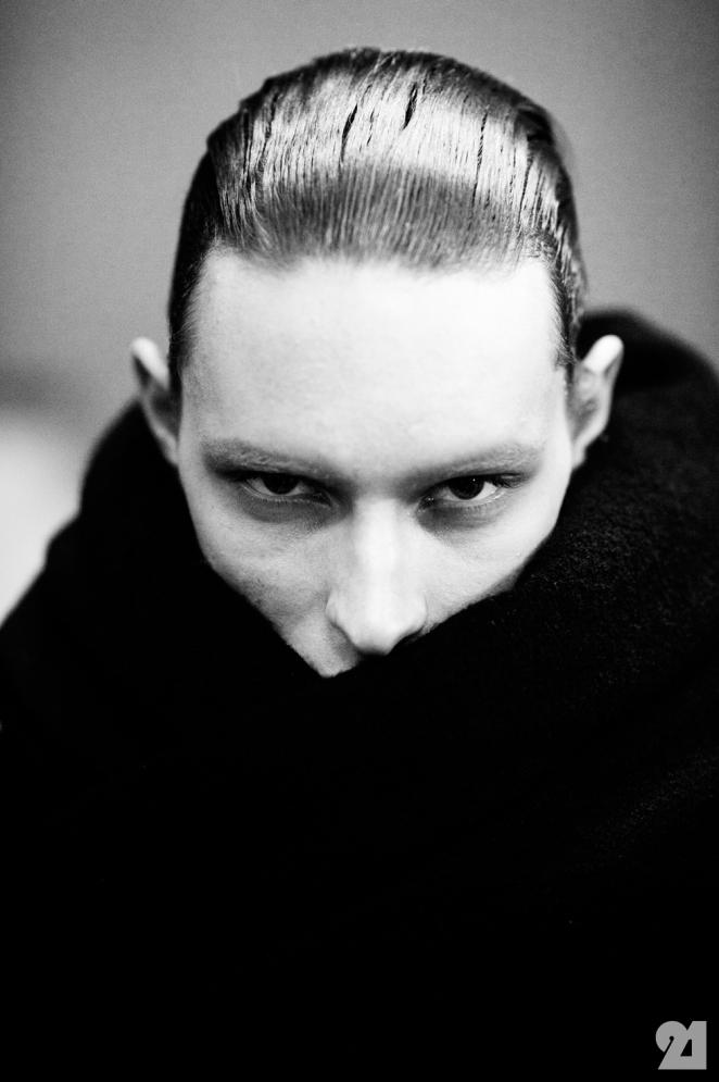 8958-Le-21eme-Adam-Katz-Sinding-Backstage-At-Julius-Paris-Mens-Fashion-Week-Fall-Winter-2015-2016_AKS5030