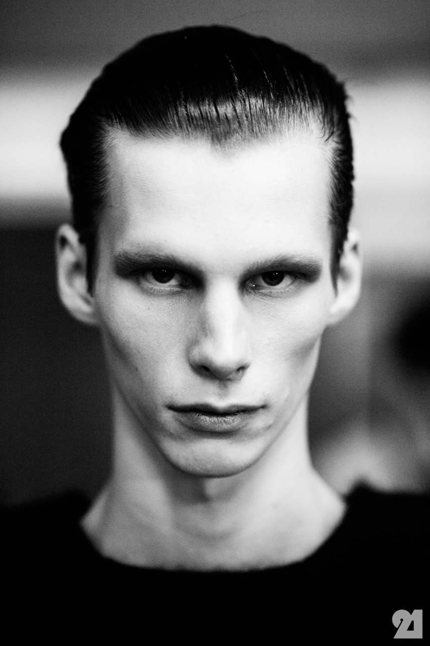 8965-Le-21eme-Adam-Katz-Sinding-Backstage-At-Julius-Paris-Mens-Fashion-Week-Fall-Winter-2015-2016_AKS4948
