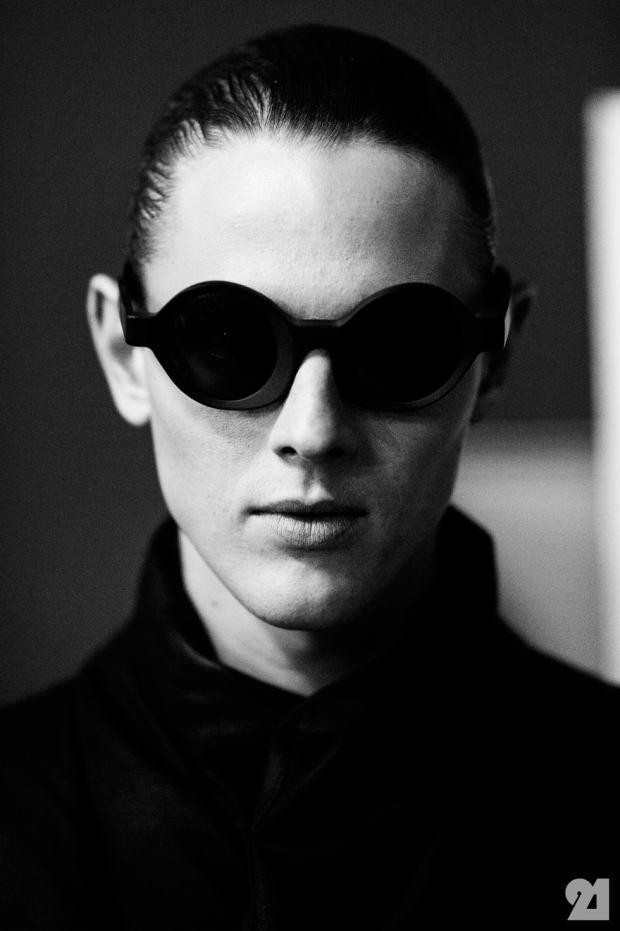 8966-Le-21eme-Adam-Katz-Sinding-Backstage-At-Julius-Paris-Mens-Fashion-Week-Fall-Winter-2015-2016_AKS4937