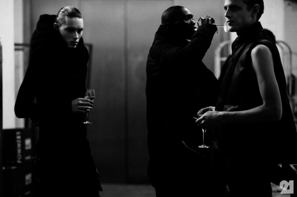 8968-Le-21eme-Adam-Katz-Sinding-Backstage-At-Julius-Paris-Mens-Fashion-Week-Fall-Winter-2015-2016_AKS5425