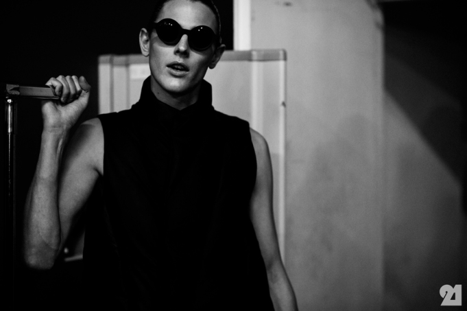 8973-Le-21eme-Adam-Katz-Sinding-Backstage-At-Julius-Paris-Mens-Fashion-Week-Fall-Winter-2015-2016_AKS5047
