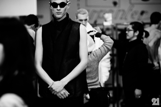 8976-Le-21eme-Adam-Katz-Sinding-Backstage-At-Julius-Paris-Mens-Fashion-Week-Fall-Winter-2015-2016_AKS5387