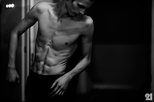 8981-Le-21eme-Adam-Katz-Sinding-Backstage-At-Julius-Paris-Mens-Fashion-Week-Fall-Winter-2015-2016_AKS4860