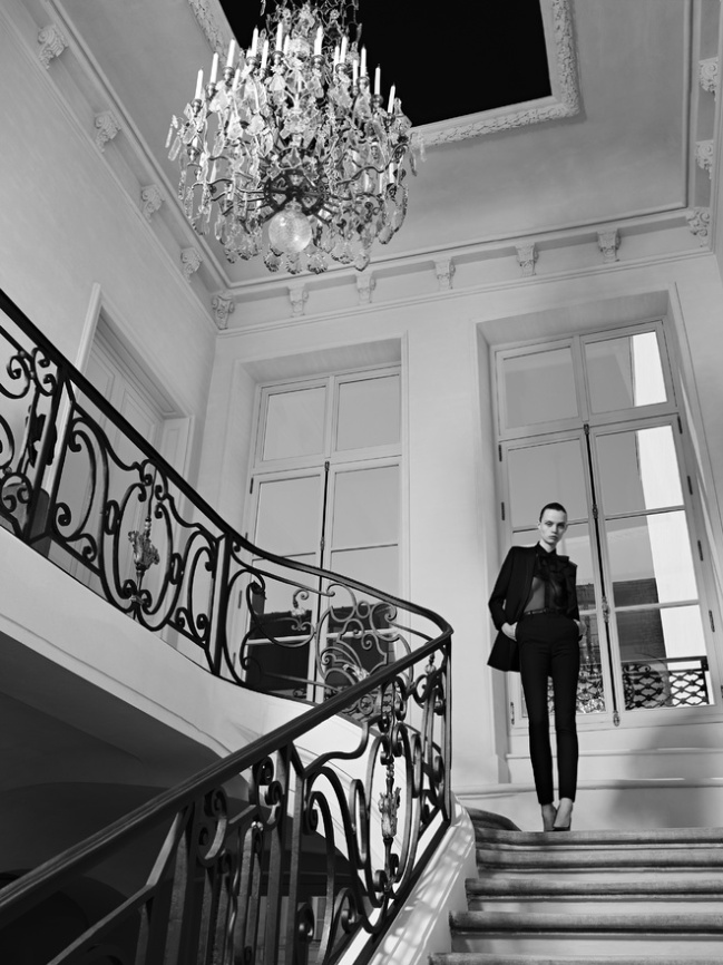 hedi_slimane_reinvente_l_esprit_couture_d_yves_saint_laurent_12_4211.jpeg_north_660x_white