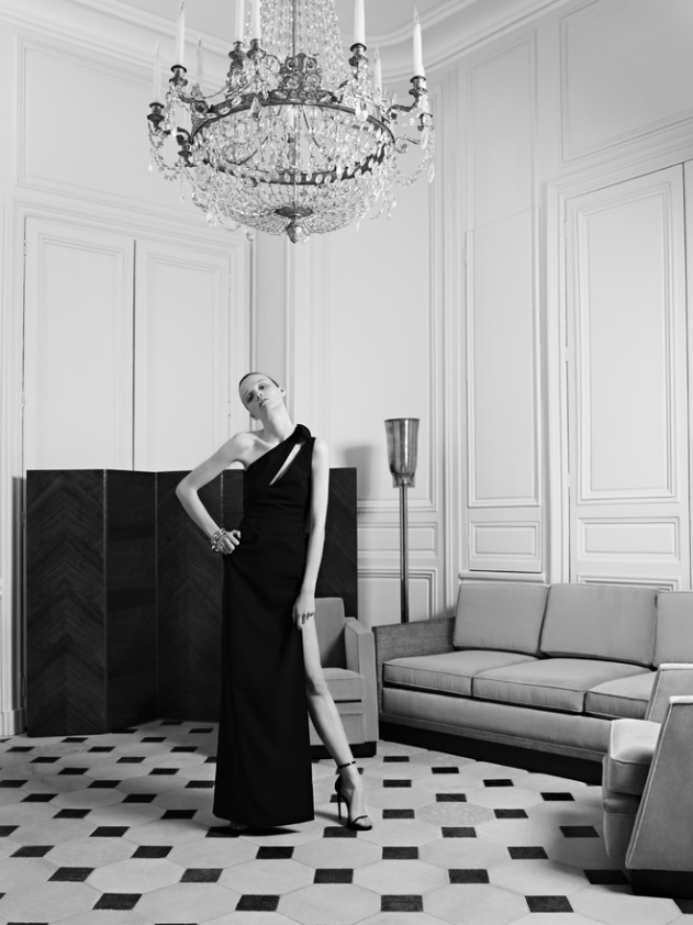 hedi_slimane_reinvente_l_esprit_couture_d_yves_saint_laurent_20_387.jpeg_north_660x_white