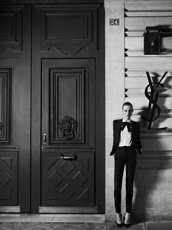 hedi_slimane_reinvente_l_esprit_couture_d_yves_saint_laurent_21_2519.jpeg_north_660x_white