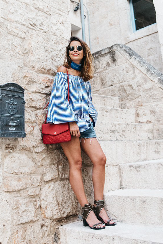 Polignano_A_Mare-Off_The_Shoulders_Top-Striped_Top-Levis-Louis_vuitton_Bag-Isabel_Marant-Shoes-Outfit-Guerlain-ROad_Trip-389-790x1185ñ