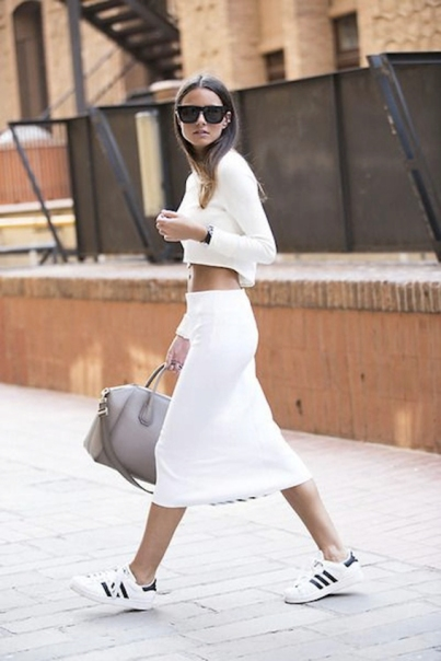 total-white-look-sporty-street-style