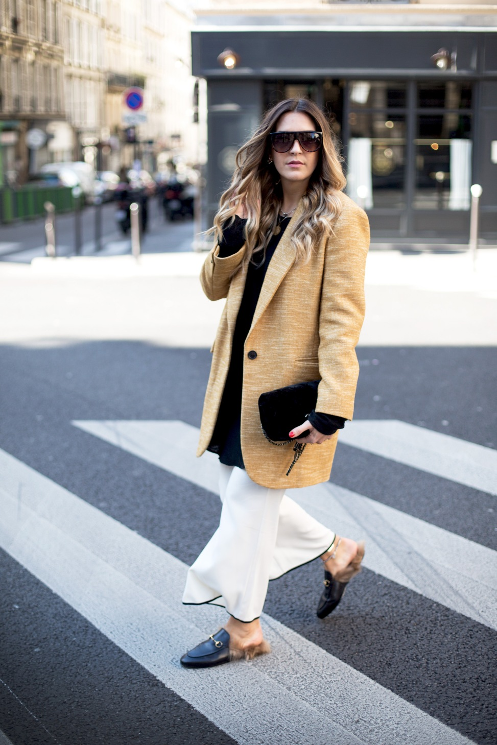 black-palms-streetstyle-paris-gucci-slipper-chanel-isabel-marant-3